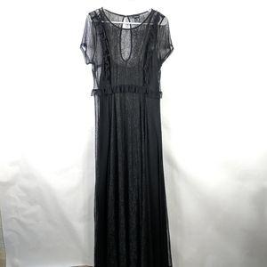 Torrid Lace Maxi Dress Size 1 Black keyhole back